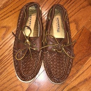 Women's woven leather Sperry boat shoes